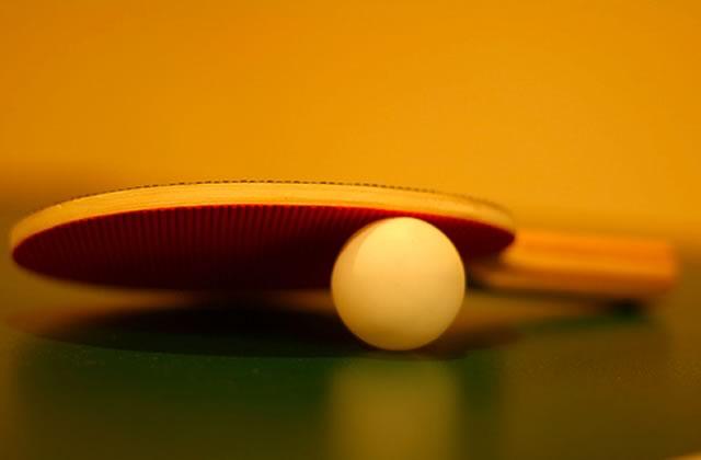 Le match de ping-pong imaginaire, l'attraction du métro