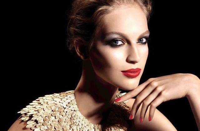 Plumes précieuses, la collection maquillage de Chanel pour les fêtes