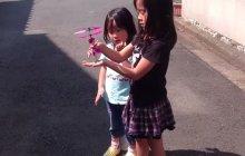 La poupée volante a encore brisé des coeurs d'enfants
