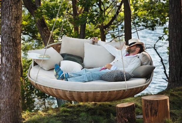 le lit suspendu ou la balan oire ultime en photo. Black Bedroom Furniture Sets. Home Design Ideas