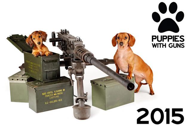 Des chiots et des armes, le calendrier – Idée cadeau pourrie
