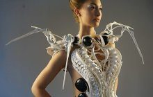 La robe-robot-araignée qui… t'aide à te défendre