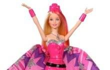 Mattel sort une Barbie super-héroïne