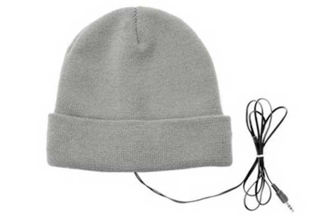 Un bonnet à écouteurs intégrés — (Semi) WTF Mode