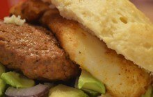 Burgers au Babybel et à l'avocat — Recette décadente