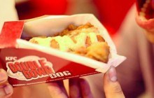 KFC lance le Double Down Dog, un hot-dog avec du poulet pané