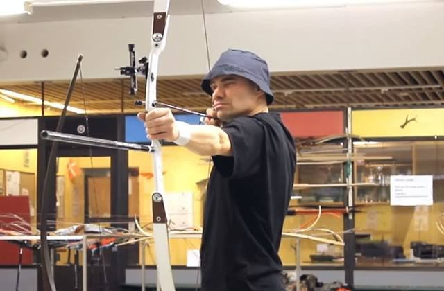 Lars Andersen : l'archer qui fait mieux que Katniss, Hawkeye et Legolas réunis