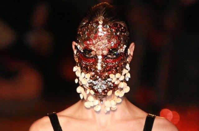 Le masque de coquillages et de cristaux de Givenchy – WTF Beauté