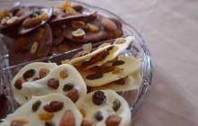 Mendiants au chocolat et aux fruits secs  — Recette gourmande