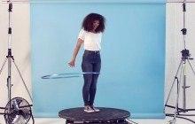 Monki choisit la chanteuse Mapei et Marawa The Amazing, championne du monde de hula hoop, comme égéries