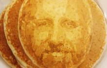 Imprime ta tête sur des pancakes pour des petits-déjeuners narcissiques