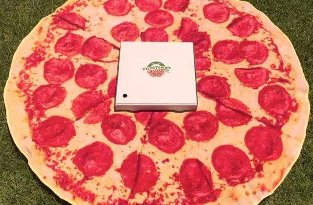 La serviette de plage pizza, ton nouvel indispensable de l'été