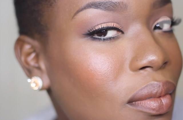 s lection de tutos maquillage et coiffure pour les peaux. Black Bedroom Furniture Sets. Home Design Ideas