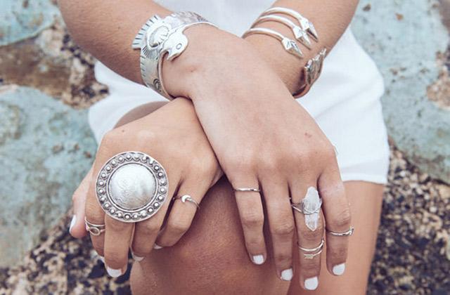 Sélection de bagues et bracelets pour pimper tes mains