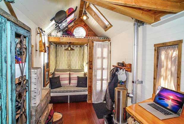 Les tiny houses un mode de vie nomade et alternatif for Tiny house for family of 4