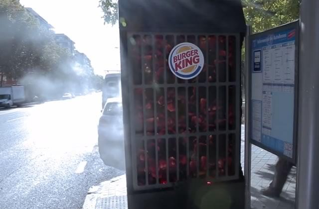 L'abribus qui sent le Burger King, une publicité… surprenante
