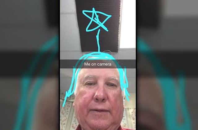 Des personnes âgées réagissent à… Snapchat