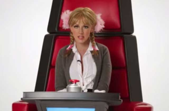 Christina Aguilera imite Miley Cyrus, Britney Spears, Lady Gaga et autres pop stars