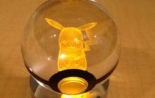 Les PokéBalls en cristal, l'idée cadeau pour les fans de Pokémon devenues grandes