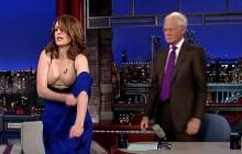 Tina Fey enlève sa robe lors du dernier talk-show de David Letterman
