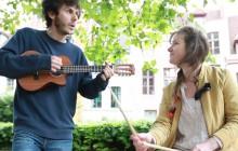 June Bug joue «Not So Fairy Fishy Tale» en acoustique à Lille