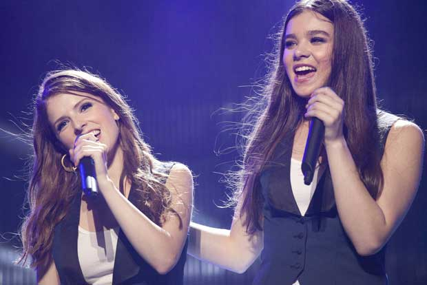 pitch-perfect-2-anna-kendrick-hailee-steinfeld