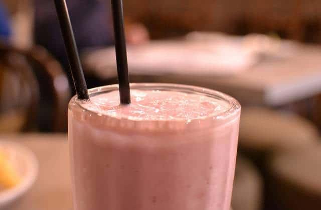 Les smoothies à base de fruits estivaux