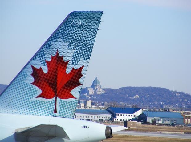 avion-canada-montreal