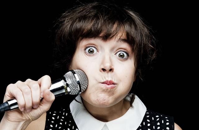 Céline Groussard, l'humoriste qui n'était pas réservée aux meufs