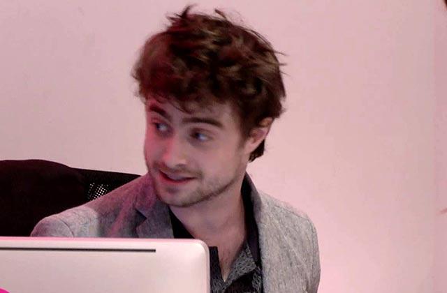 Daniel Radcliffe joue le réceptionniste incognito