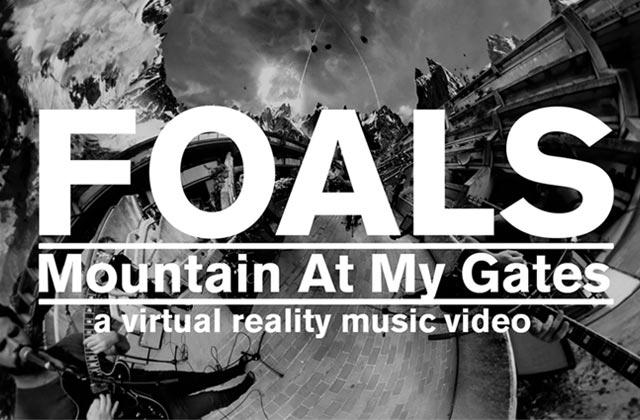 «Moutain At My Gates» de Foals, un clip complètement dingo que tu peux regarder à 360° !