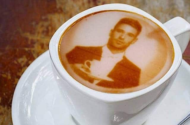 WTF culinaire : la machine qui imprime des portraits sur ton café