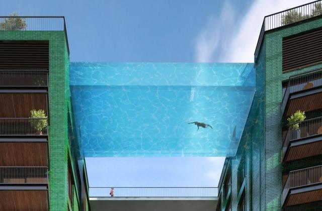 La piscine suspendue à 35 mètres de hauteur, pour nager dans le bonheur