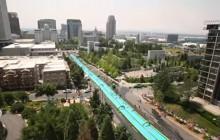 «Slide the City »,  glissez à travers la ville sur un toboggan aquatique géant !