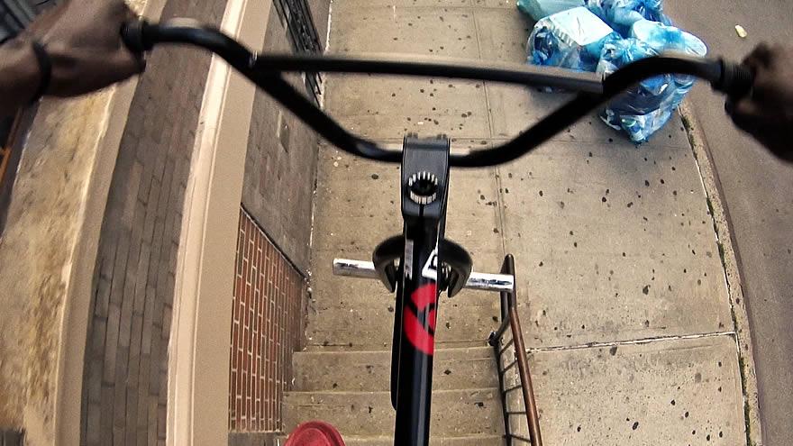 Nigel Sylvester vous fait visiter New York en BMX