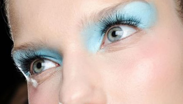 ombre-paupiere-bleu-annees-2000
