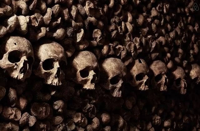 Airbnb propose une chambre dans les catacombes !
