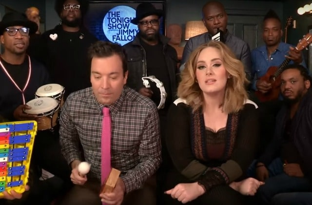 Adele chante « Hello » avec The Roots chez Jimmy Fallon