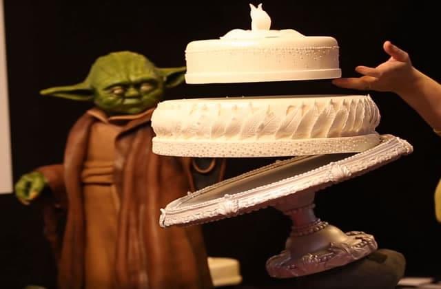 Le gâteau Star Wars qui lévite grâce à la Force (ou presque)