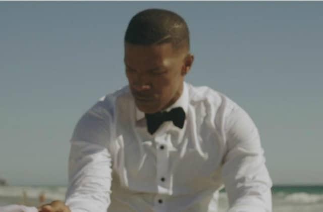Jamie Foxx, en marié, fait valser le piano dans «In Love By Now», son nouveau clip