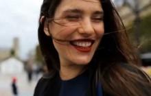 Clémentine Desseaux, mannequin «grandes tailles», devient égérie Louboutin