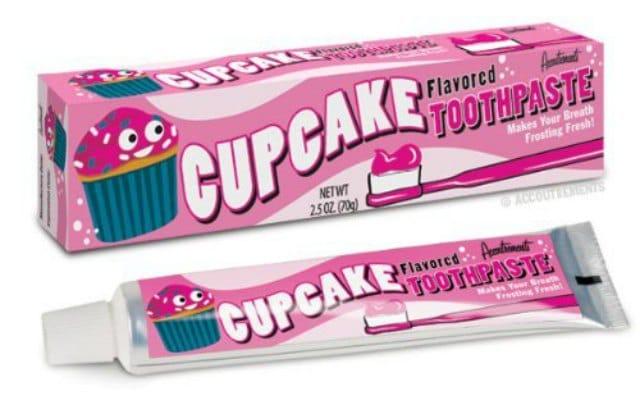 dentifrice-gout-cupcake-idee-cadeau-pourrie