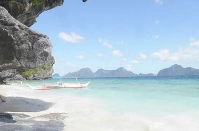 Carte postale des Philippines — Plages paradisiaques, rizières et coups de soleil