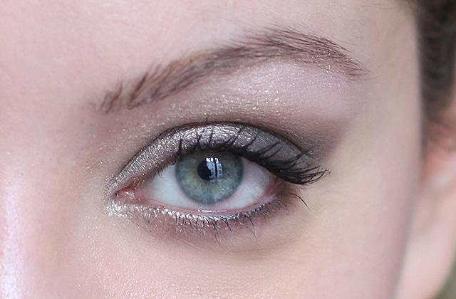 Tuto beaut maquillage de soir e avec la palette - Palette maquillage avec pinceaux ...