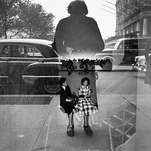 photographe-vivian-maier-autoportrait-experimentation-1954