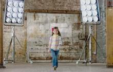 Tommy Hilfiger crée des vêtements pour enfants handicapés, en partenariat avec une association