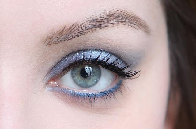 Tuto beauté — Maquillage de sirène avec la palette Smoky Stories « E-blue-issant » de Bourjois