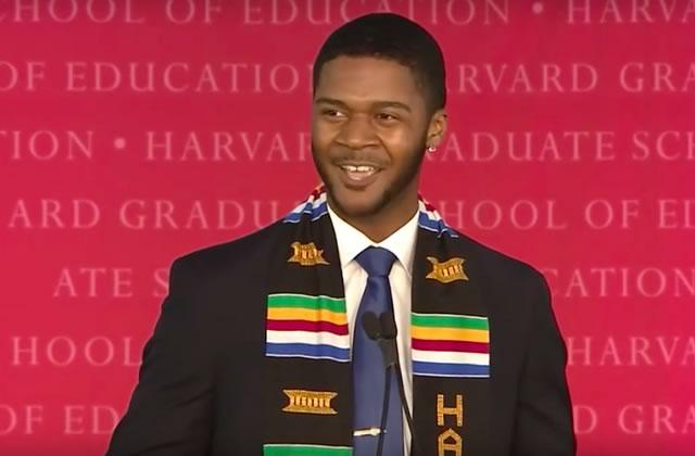 D. Livingston, le diplômé d'Harvard au discours foutrement inspirant