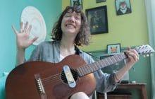 Camille Hardouin chante «Il m'plaît pas», un titre tout en poésie