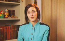 «Parlez-moi (de votre père)», court-métrage émouvant avec Marion Seclin & Sophie-Marie Larrouy